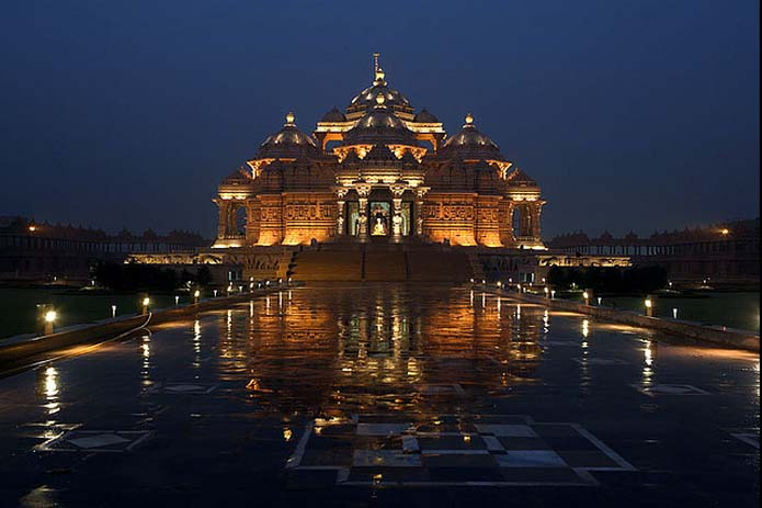 Akshardham temple at night. Photo by Aditil Rajaram, flickr