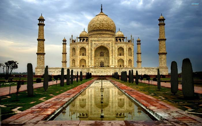India's Taj Mahal is the most sacred Mausoleum. Photo by Superb Wallpapers