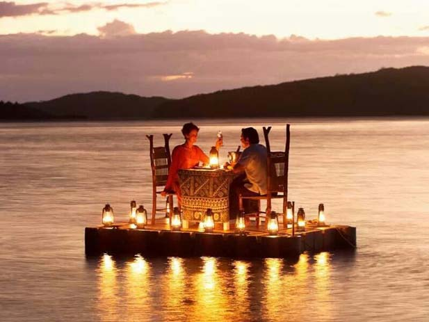 Dinner for two on Turtle Island in Fiji. Photo by Andrew Morse, Pinterest