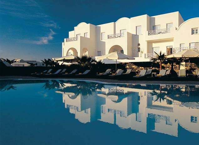 Kastelli Resort in Santorini. Photo by Kacie Hastings, Pinterest