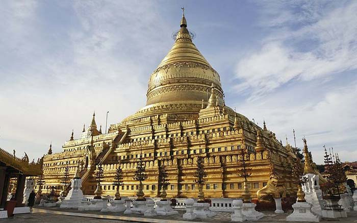 The shimmering Shwedagon Pagoda in Myanmar (Burma). Photo by Telegraph UK