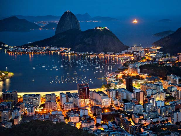 Rio de Janeiro at night. Photo by Skyline Wallpaper