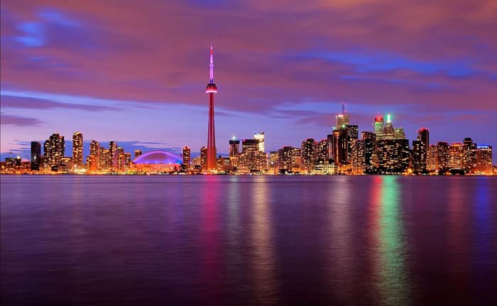Toronoto Skyline. Photo by bhmpics