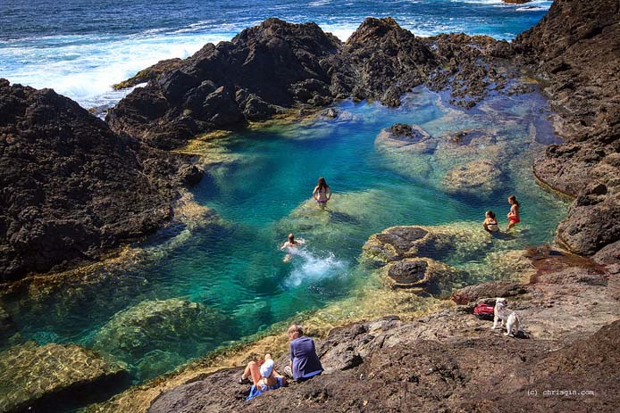 Stunning mermaid pools at Matapouri Bay. Photo by Chris Gin, flickr