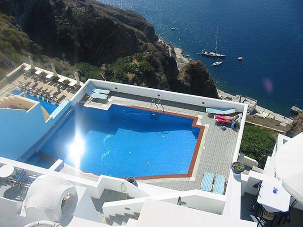 Hotel Loukas, Santorini. Photo by Karolina Dominish, flickr