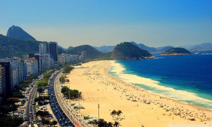 Rio de Janeiro beach. Photo by ballinkicka.com_