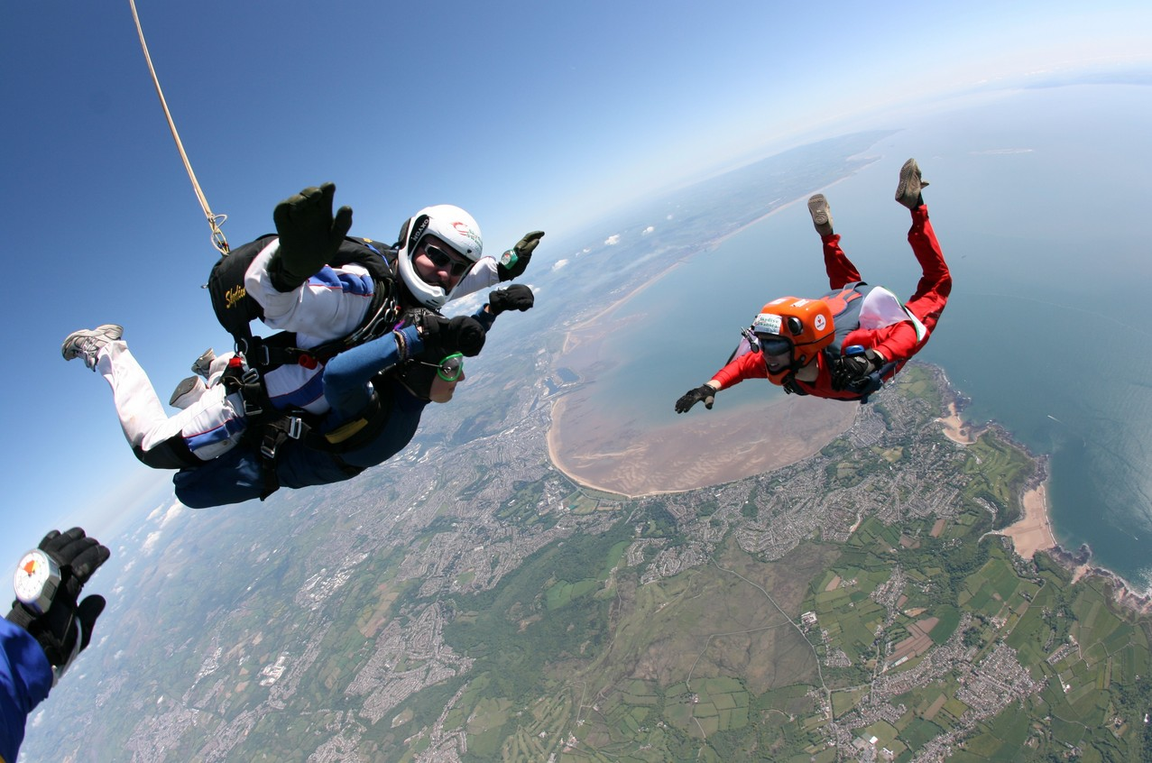 7 of best places to skydive around the world: Rio De Janiero skydiving, Photo by ayshfi.file.wordpress.com