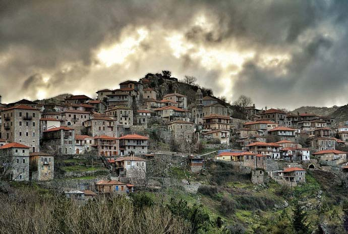 Storm approaching Dimitsana. Photo by Stratos, flickr
