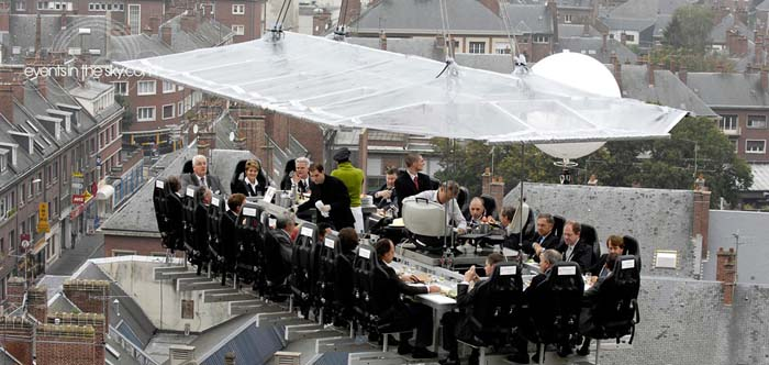 Dinner In The Sky, Belgium. Photo by dinnerinthesky.com