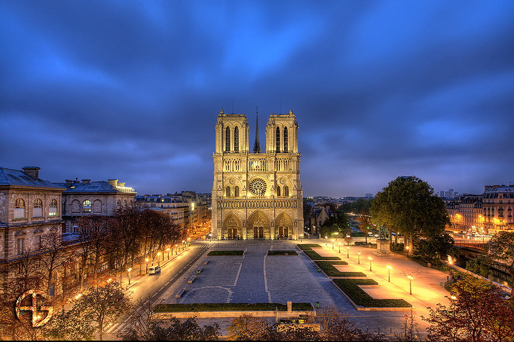 24 hours in Paris: Front view of the stunning Notre Dame Cathedral. Photo by A.G Photography,  flickr