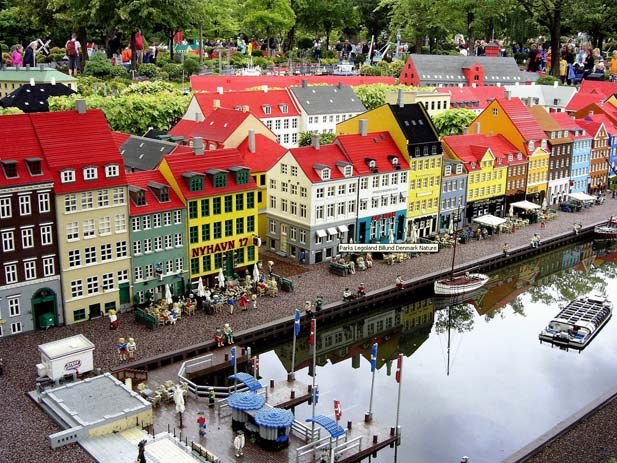 Legoland, Denmark. Photo by 1zoom.me