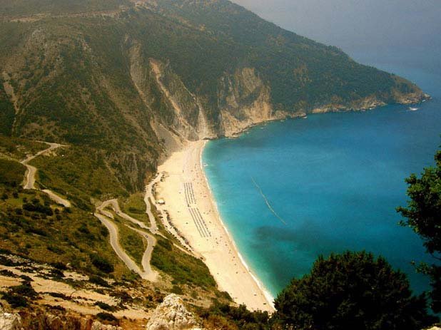 The incredible beaches of Myrtos. Photo by Nikos K, flickr