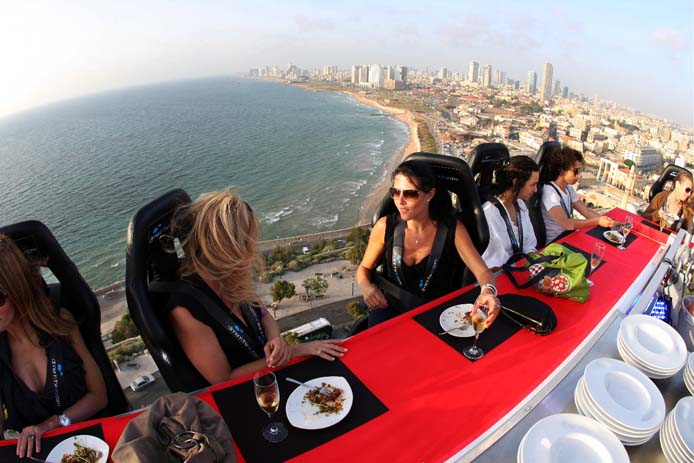 Always good views at Dinner In The Sky. Photo by the suiteworld.com