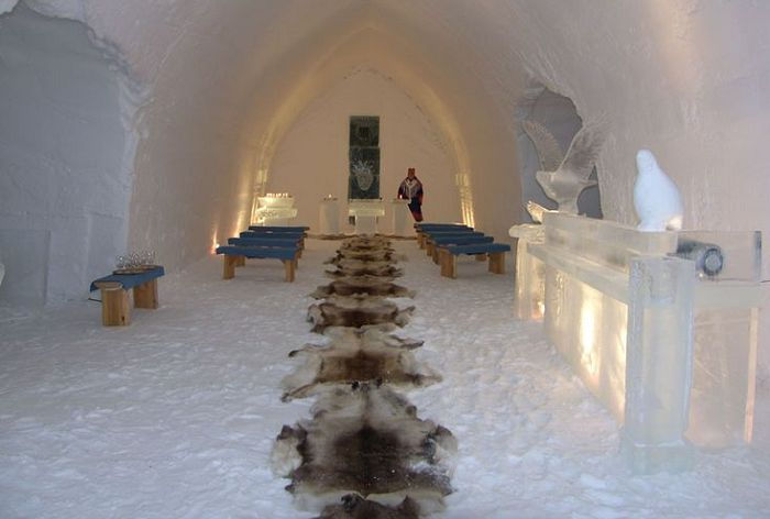 Ice chapel wedding at Hotel Kakslauttanen Photo by Bridget Howe Pinterest