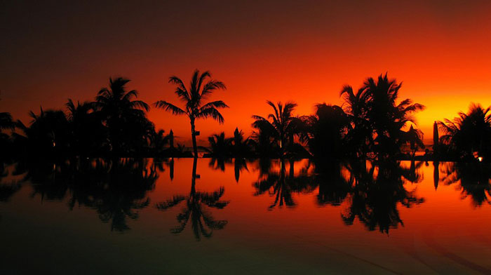Killer glowing sunset in Mauritius. Photo by renaldo, flickr