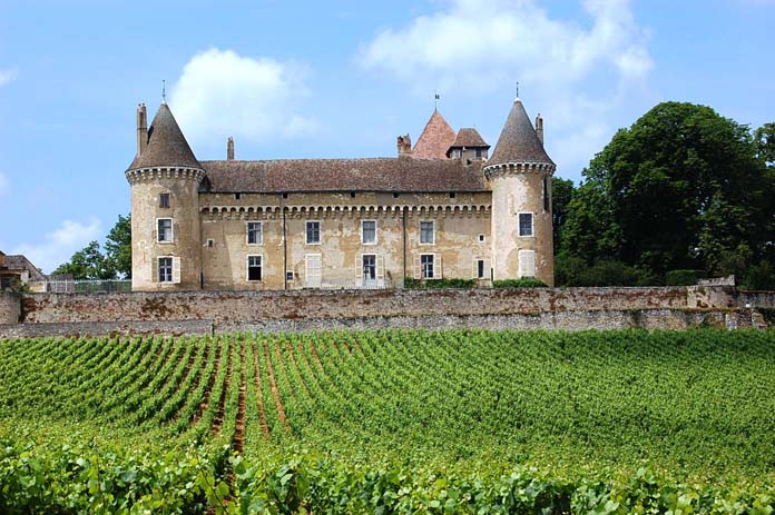 Visit wineries and vinyards in Burgundy, France. Photo by discoverfrance.com