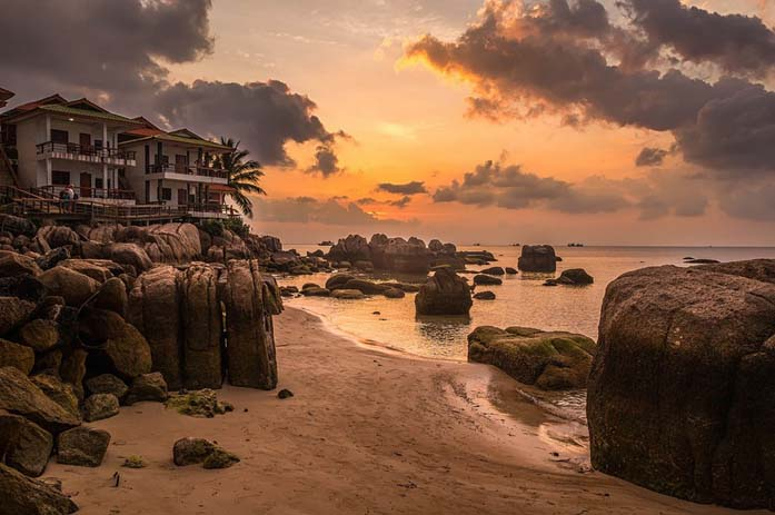 Sunset over Ko Tao. Photo by Julie D, flickr