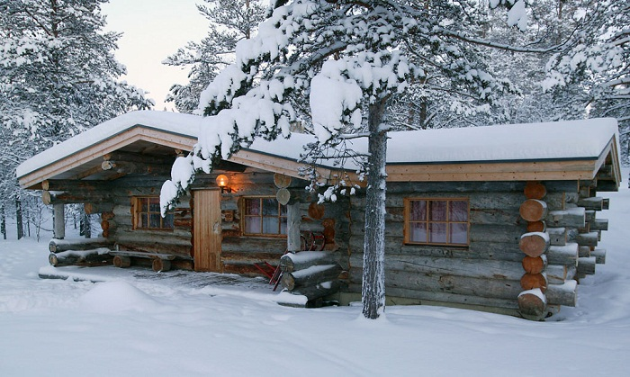 Hotel Kakslauttanen log cabin Photo by Jeff Flickr