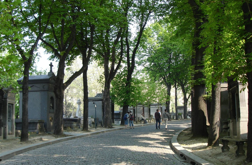 10 free things to do in Paris: Pere Lachaise cemetery. Photo by richard tulloch, flickr
