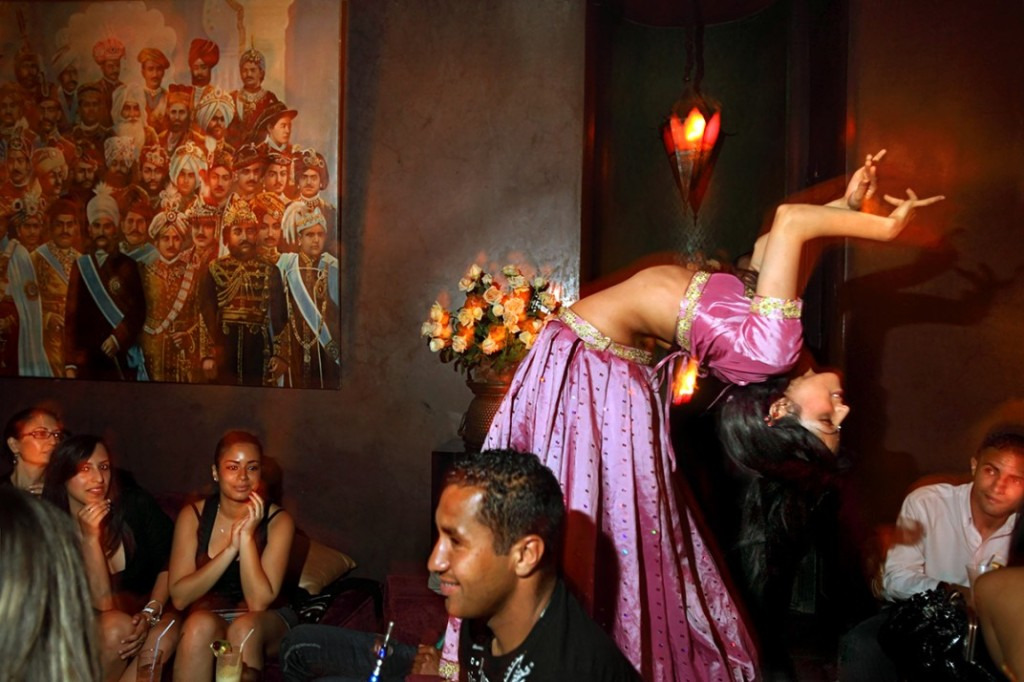 Things to do while staying in Marrakesh: Have a belly dance at Comptoir. Photo by travel-exploration.com