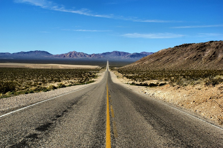 The greatest drives in the world: Highway 160, Death Valley. Photo by Teri, flickr