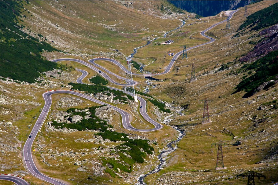 The greatest drives in the world: Transfăgărășan, Romania, Photo by Matteo, flickr
