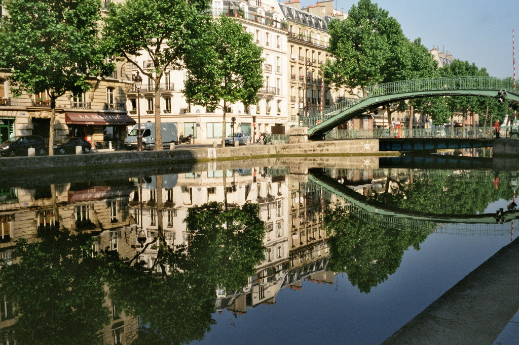 10 free things to do in Paris: Canal St Martin. Photo by gingerandjagger.com