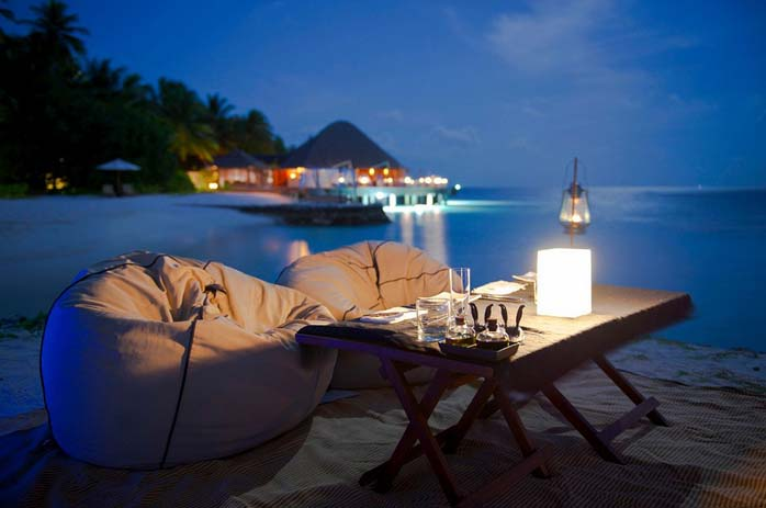 Dinner for two, Maldives. Photo by Jamie Frith, flickr