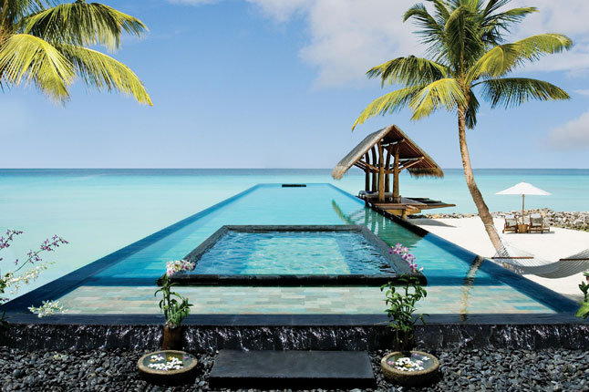 The best outdoor spas to revitalise and detox: OneOnlyReethiRah, Maldives. Photo by condenas.co.uk