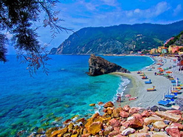 Cinque Terre beaches. Photo by chrystal-clear.com