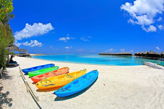 Kayaks in Maldives. Photo by Jonathan Garcia, flickr