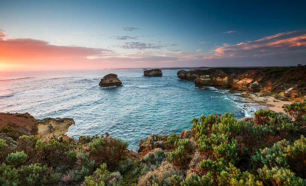 visit the Bay of Islands in New Zealand: Beaches and bays as seen from the Great Ocean Road of Northern New Zealand. Photo by andrewandyhall, flickr