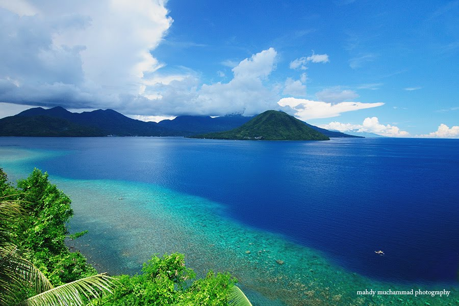 Places to visit in Indonesia: View of Maitara Island from Ternate, North Maluku. Photo by Mahdy Muchammad, Panoramio