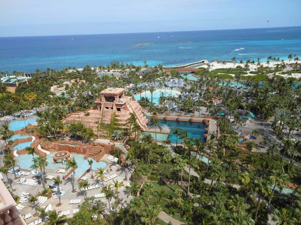 An aerial view of the site and it's tropical surroundings. Photo by teatur.com