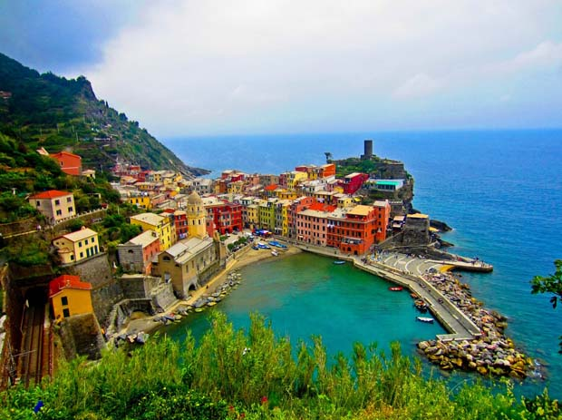 Cinque Terre, Italy. Photo by chrystal-clear.com