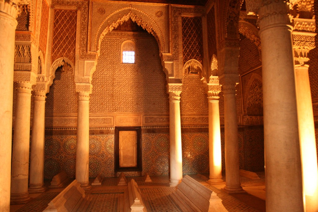 Things to do while staying in Marrakesh: Inside the Saadian Tombs. Photo by tapastotajine.com