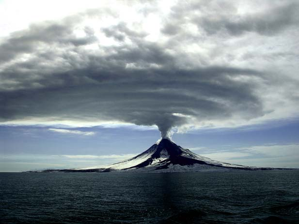 The Augustine eruption of 2006, located at Cook Inlet, Alaska. Photo by U.S Geological Survey, flickr