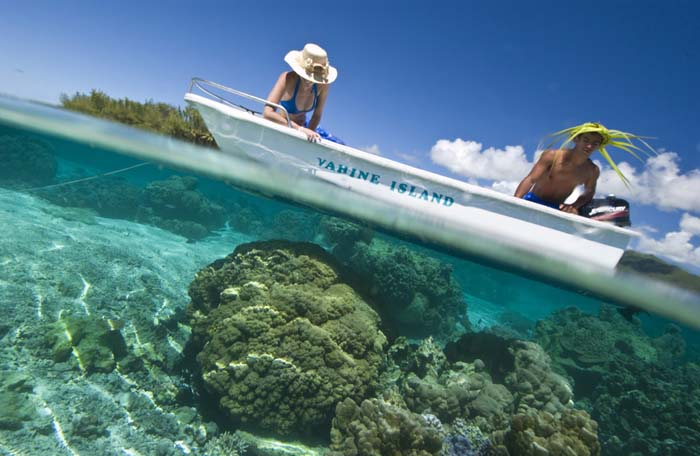 Visiting the reef at the Vahine Resort. Photo via exotismes.fr
