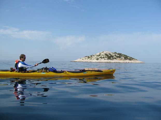 Kayaking tours allow you to explore Croatia's nearby islands. Photo by Allesandro Loss, flickr