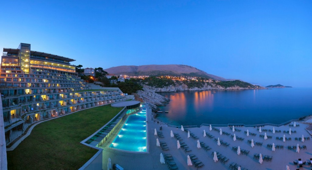 7.-An-evening-shot-of-the-Royal-Princess-Hotel-in-Dubrovnik.-Photo-by-croatia-travel.co_.uk_
