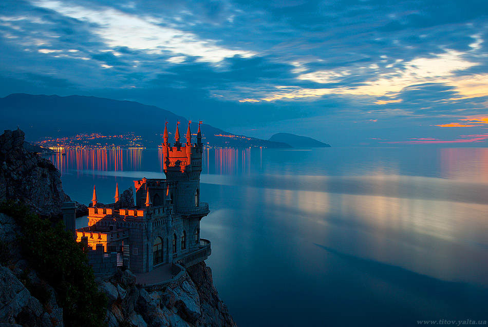 Fairy tale places you should visit: Swallows Nest Castle, Yalta, Ukraine. Photo by Sergey Titov