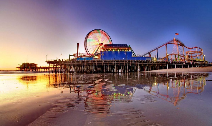 Santa Monica Beach pier. Photo by beachesandsunsets.com