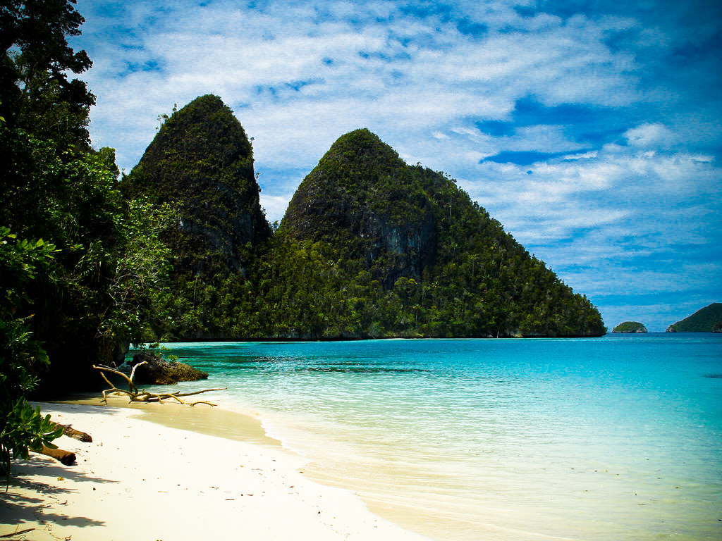 There are very few places in the world as untouched as the Raja Ampat. Photo by Max Mossler, Flickr
