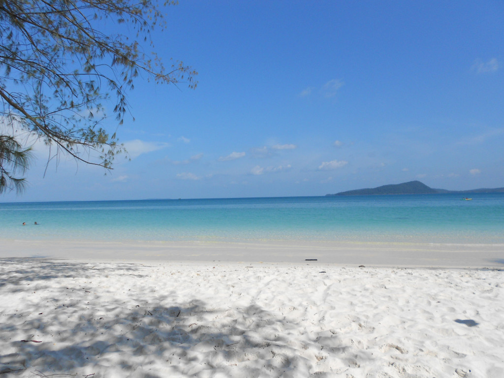 lesser known islands in south-east asia: Four Mile Beach, Ko Ron Island. Photo by pursuitofexcitement.wordpress.com