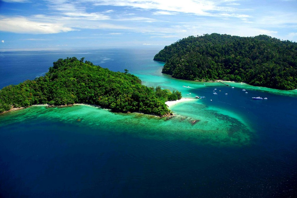 lesser known islands in south-east asia: Aerial view of Gaya Island. Photo by traveltodaylah.com.my