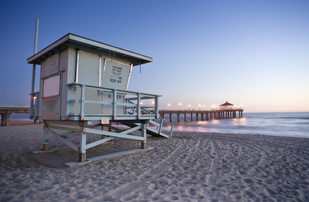 Manhattan Beach Pier, California. Photo by manhattanbeachca.wordpress.com