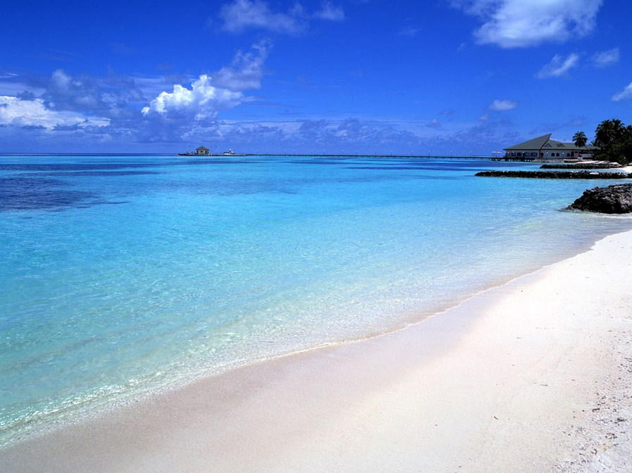 The pristine white sand of a Redang beach. Photo by paradiseintheworld.com