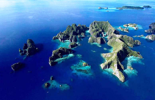 This archipelago is home to the most diverse marine ecosystem in the world. Photo by Tony Shih. Flickr (2)