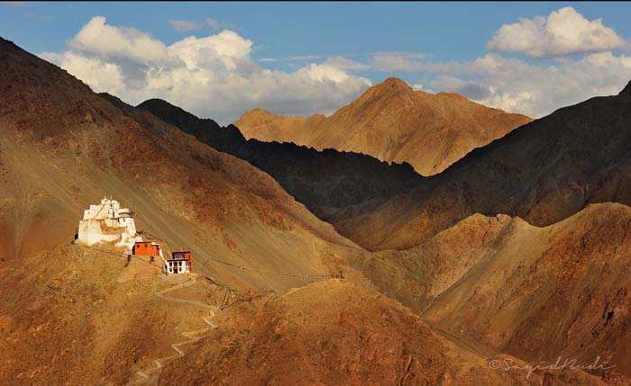 A view of the Buddhist Monastary overlooking Leh. Photo by Sayid Budi, Flickr.