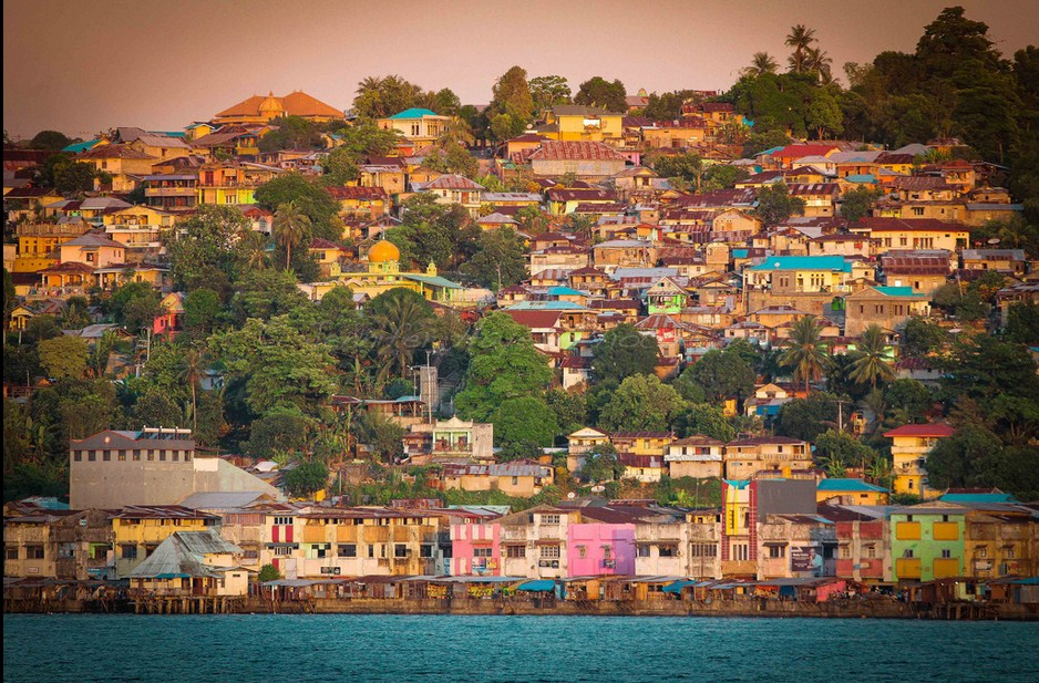 lesser known islands in south-east asia: A view of Ambon city from the harbour. Photo by hazy jenius, Flikr